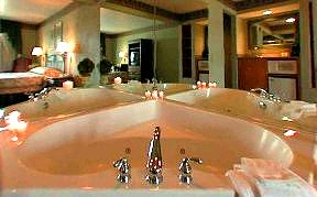 Hotels With Indoor Pools And Jacuzzi In Room In Poconos