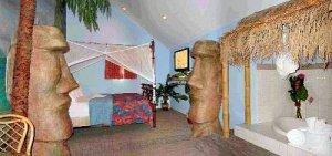 Tahitian Suite at the Chateau Avalon, Kansas City, KS