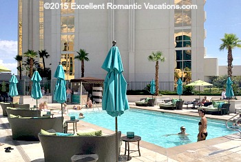 Signature MGM Grand Adult Pool
