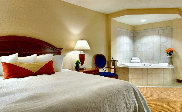 Columbus Ohio Whirlpool Suite - Hilton Garden Inn