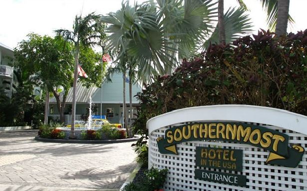 Southernmost Hotel - Entrance
