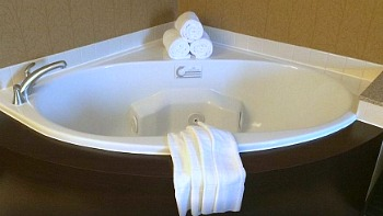 Spa Tub at Springhill Suites in Annapolis Maryland