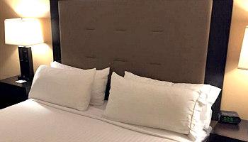 Atlantic City Holiday Inn Bedroom