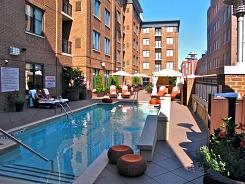 AVIA Hotel Pool