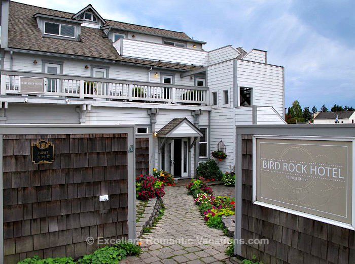 Bird Rock Hotel Entrance