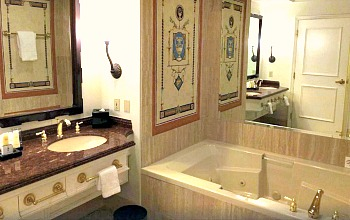 Caesars Palace Spa Tub Suite