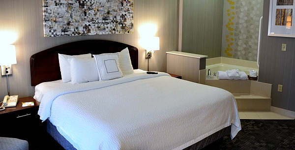 Colorado Springs Jacuzzi Suite