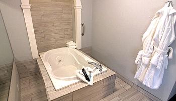 Whirlpool Suite - Hilton Garden Inn Columbus OH