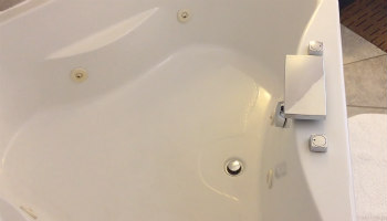 Norwalk CT Hotel JACUZZI® Tub