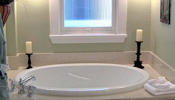 Coronado Island Hot Tub Suite