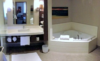 Delta Grand Okanagan Resort Jetted Tub Suite