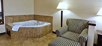 Holiday Inn Hot Tub Suite, Fort Collins CO