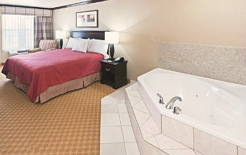 Galveston Hotel With Jacuzzi In Room