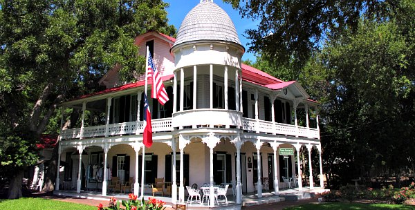 Gruene Mansion B&B in Texas