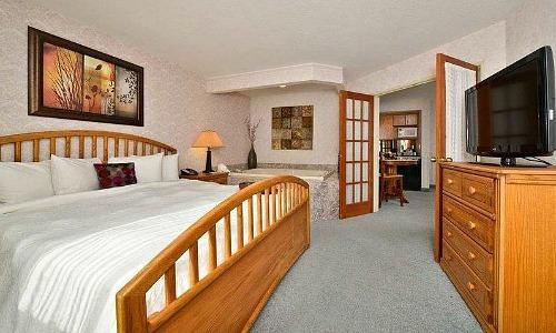 Whirlpool Room at the Hampton Inn, Spokane Washington