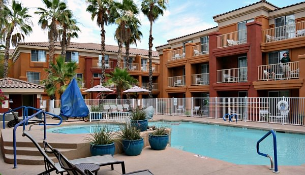 Pool and Hot Tub at the Holiday Inn Express & Suites Scottsdale