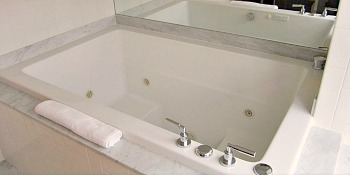 Hotel Palomar Spa Tub Suite
