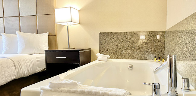 British Columbia Hot Tub Suites Private In Room Hotel Spa Tubs