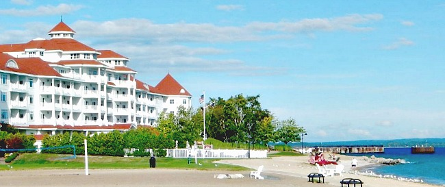 Romantic Waterfront Lake Michigan Hotel