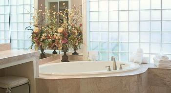 Arlington TX Jetted Tub Suite