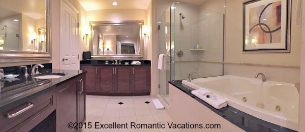 Signature MGM Grand 1 Bedroom Whirlpool® Suite