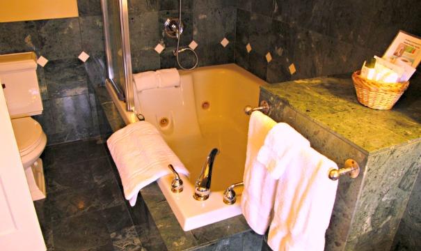 Abigail's Hotel, Victoria, BC - Jetted Spa Tub