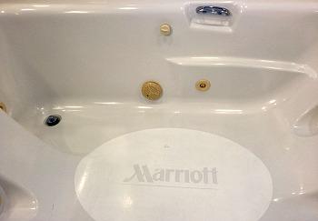 marriott-hawaii-jacuzzi-tub