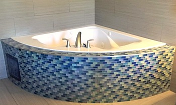 Knoxville TN Spa Tub Suite