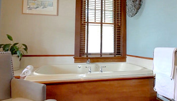 Pennsylvania Hot Tub Suites - Hotel Rooms With Private