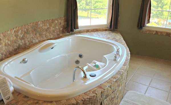 Bavarian Lodge, Leavenworth WA Jetted Tub Suite