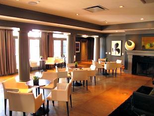 Lobby of the Kensington Riverside Inn