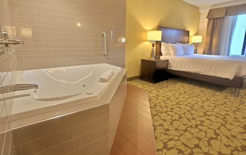 Hotel Hot Tub Suites Private In Room Jetted Spa Tub Suites Near You