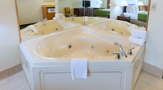 Northwest Michigan Whirlpool® Tub Suite
