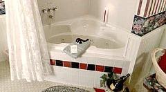 Kinsley House - Michigan B&B Whirlpool Suite