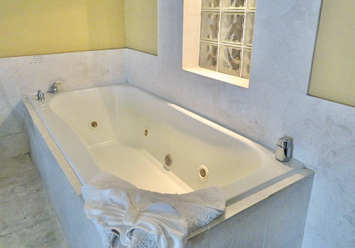 California Hot Tub Suites Hotels With Private In Room Whirlpool Tubs