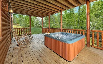Ohio Cabin Hot Tub