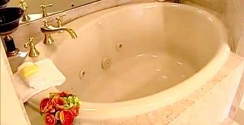 Rittenhouse Hotel Spa Tub Suite