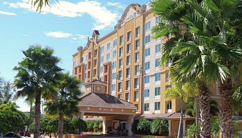 Orlando Hotel with Hot Tub Suites