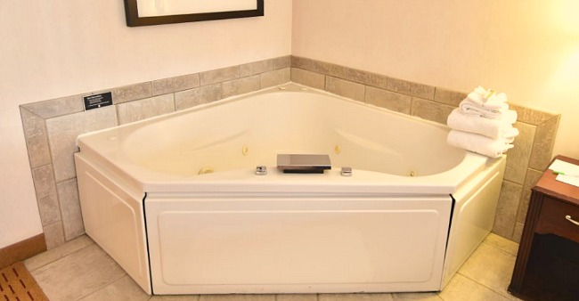Reno NV Whirlpool® Tub Suite