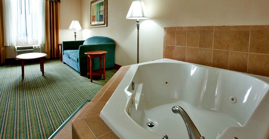 HD wallpapers hotel with jacuzzi in room va
