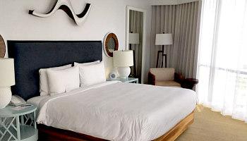 Romantic Hyatt Hotel in Honolulu, HI
