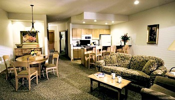 Romantic Northeastern Minnesota Lodge
