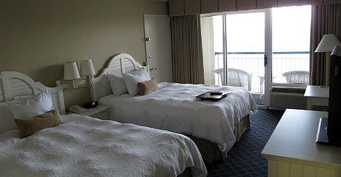 Hampton Inn & Suites Myrtle Beach Oceanfront - Room