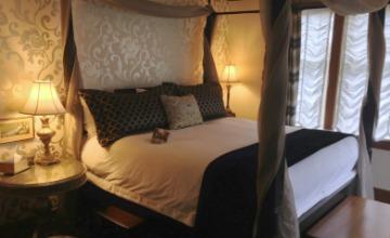 Room at Abigail's Hotel, Victoria, BC