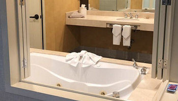 San Diego Hot Tub Suites Hotels With Private In Room Whirlpool Tubs