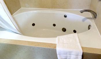 Santa Ana California Hot Tub Suite
