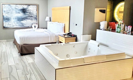 Minnesota Hot Tub Suites 2021 Romantic Hotels With In Room Spa Tubs