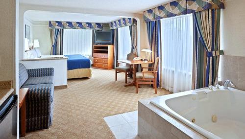 Seattle Jacuzzi Suites
