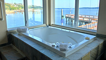 Tacoma WA Waterfront Hot Tub Suite