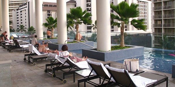 Pool at the Trump International Hotel Waikiki Beach Walk